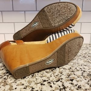 Dr. Scholl's Shoes - Dr. Sholl's blue and white striped wedges